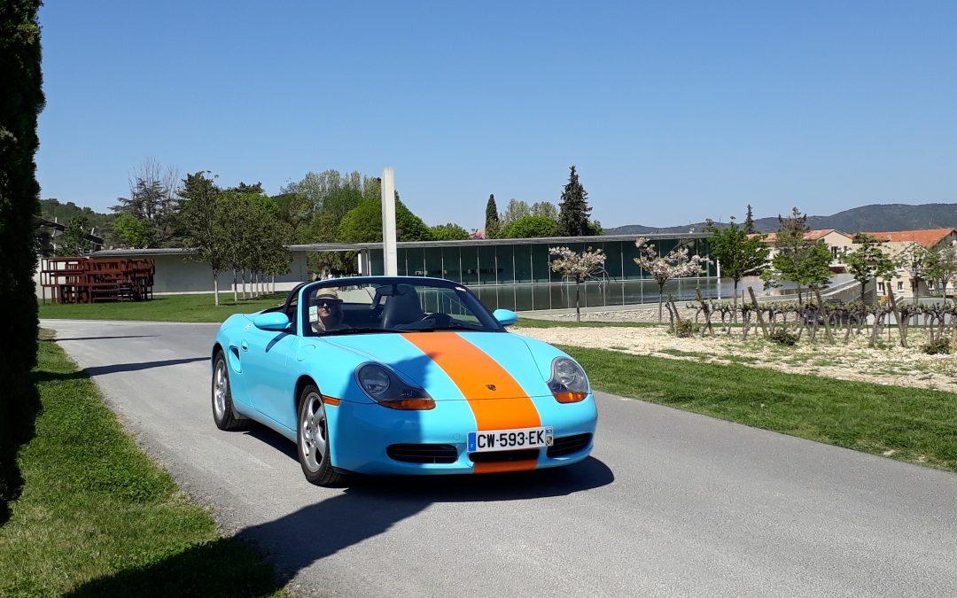 Visiter le château Lacoste au volant d'une Porsche
